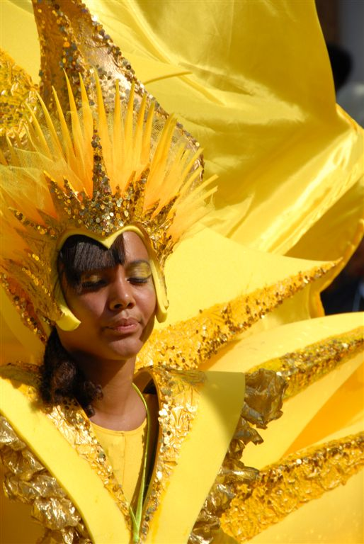 notting hill carnival 2007 girl in yellow
