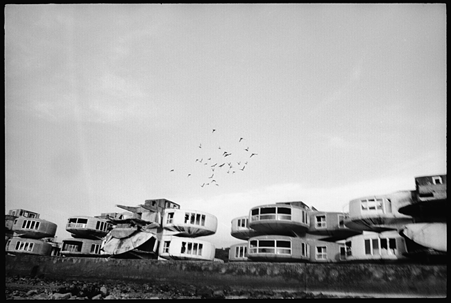 ufo house2