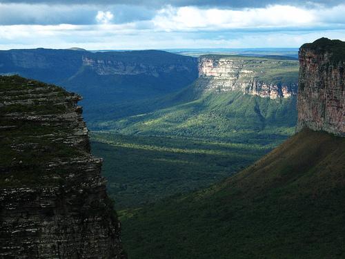 مشهد لمنتزه تشابادا الوطني في البرازيل