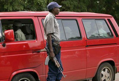 zimbabwe-mukoko-police.jpg