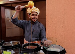 Vendeur de miel au festival de Janadriya en Arabie Saoudite, photo Ashraf Osman