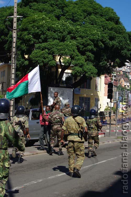 Razily's arrest - courtesy of radotiana.blaogy.com