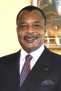 Denis Sassou-Nguesso dirige la République du Congo depuis des décennies. Selon le Guardian, lui et sa famille détiennent plus de 100 comptes bancaires et plus de 20 propriétés en France.