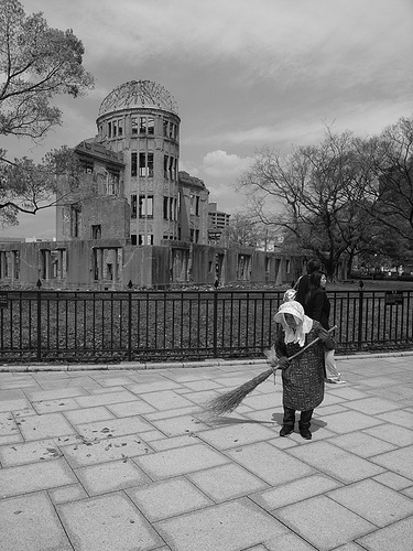 Atomic Bomb Dome in Hiroshima. By Flickr user kamoda.