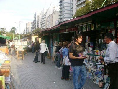 Photo of book fair in Buenos Aires, Argentina by Raúl Farias and used with permission.
