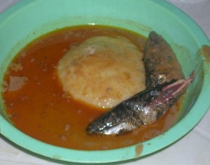 Fufu_in_groundnut_soup_with_fish