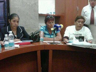 Mothers of some of the murdered women from Ciudad Juárez testifying in the Senate. Photo by Jesús Robles and used with permission.
