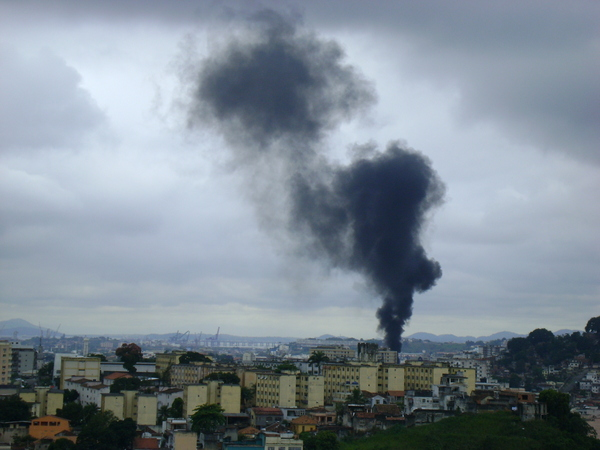 Wakati helikopta inalipuka. Picha na Taiane Oliveira kwenye Twitpic.