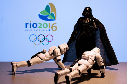 "Vader says: ""2016 push-ups for Rio 2016"". Photo: Stéfan"