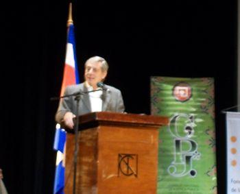 Photo of candidate Luis Fishman, courtesy of Habla Costa Rica