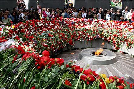 Monumento al Genocidio di Dzidzernagapert, Yerevan, Repubblica di Armenia © Onnik Krikorian