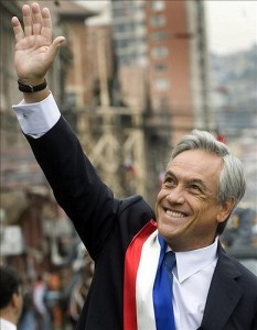 Piñera waves to the crowd on March 11, the day he took office. Image uploaded by Flickr user Globovisión and used under a Creative Commons license