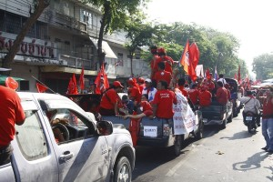 Red Shirts convoy. Picture by photo_journ