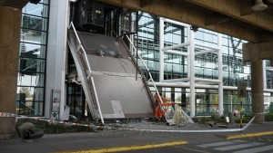 Damage to Santiago's Airport. Photo uploaded by flickr user Jorge Barahona and used under a Creative Commons license.