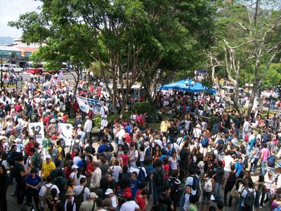 Photo of protest by Adriana Vargas