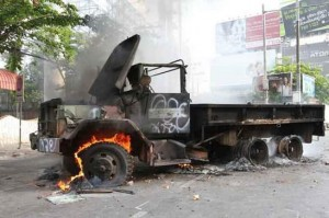 Camion in fiamme