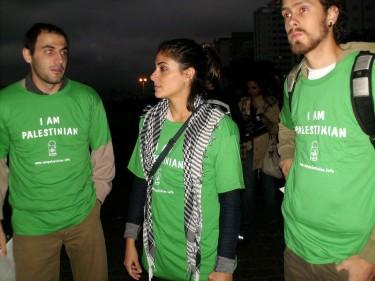 """Le magliette dei manifestanti a San Paolo dicevano: """"Sono palestinese"""". Foto di Raphael Tsavkko Garcia"""