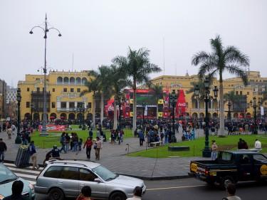 Nella piazza principale di Lima (Plaza de Armas) questo maxischermo ha trasmesso le partite dei Mondiali.