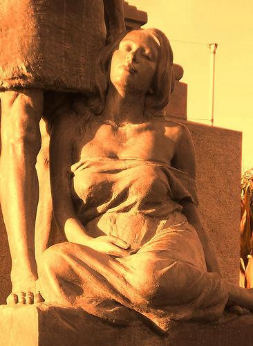 নারীর বিরুদ্ধে অত্যাচার প্রতিরোধ আন্তর্জাতিক দিবস, ফ্লিকার ব্যবহারকারী ড্যানিয়েলা গামার সৌজন্যে