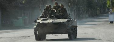 Los soldados rusos patrullan las calles de Gori, Georgia. Imagen de Onnik Krikorian, copyright Demotix (18/08/2008).