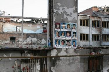 Foto relativa al primo anniversario della tragedia di Beslan