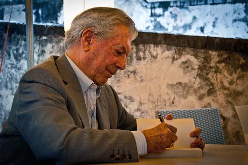 মারিও ভার্গাস লোসা