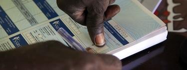 Voto en el norte de Darfur. Imagen de Albert González Farran, Demotix (15/11/10).