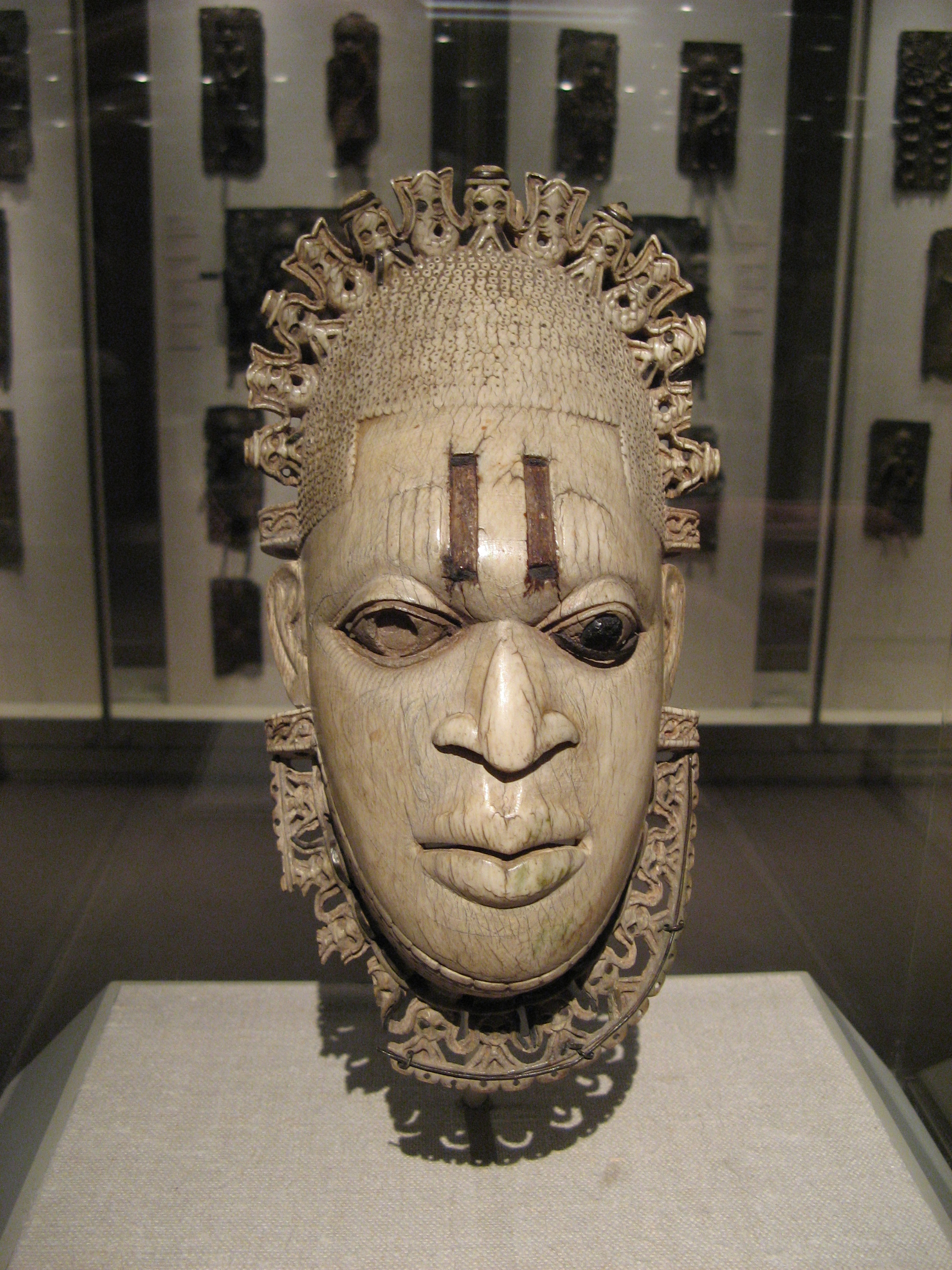 Nigeria: Controversy Over the Sale of Stolen Benin Mask · Global Voices