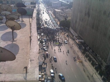 An aerial view of demonstrators gathering in Ramsis by @basboussa1