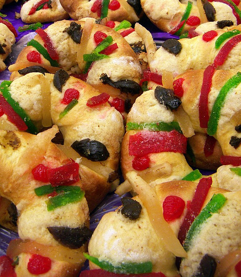 "Typical ""Rosca de Reyes"" from Mexico image by Flickr user A30_Tsitika  used under a Creative Commons Attribution-Share Alike license"