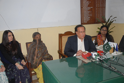 Salman Taseer incontra Aasia