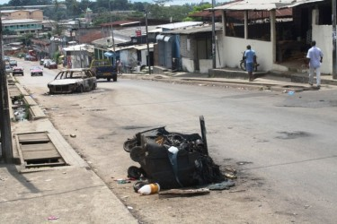 Cars burnt in Atong Abè, Libreville, after riots on 2 February, 2011.