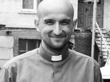 Il prete polacco Marek Rybinski