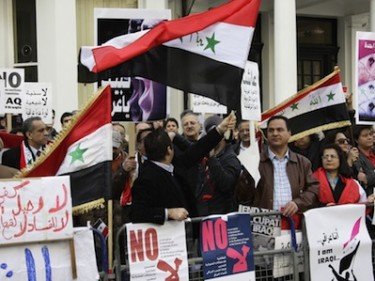 Approximately 100 protesters at the Iraqi Embassy in London calling for a new democratic Government and the removal of Malaki. Image by Ian Marlow, copyright Demotix (25/02/11).