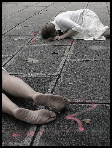 Rappresentazione femminista contro la violenza domestica in Uruguay.
