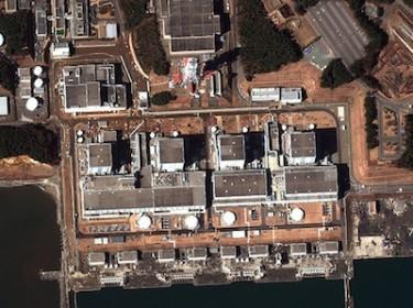 Satellite image showing earthquake damage at the Fukushima Dai-Ni nuclear power plant. Image credit: DigitalGlobe www.digitalglobe.com (CC BY-NC-ND 2.0).