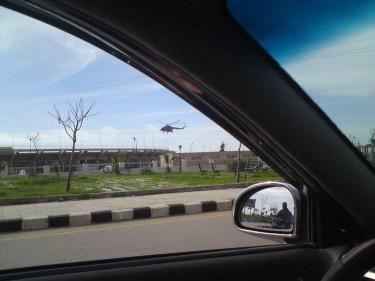 Helikopter landt bij het stadion van Dara'a