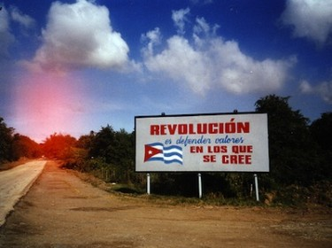 Billboard propaganda, Cuba. Image by Flickr user STML (CC BY-NC-ND 2.0).