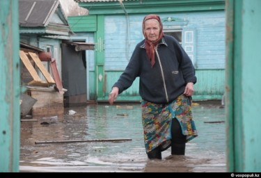Flood, Eastern Kazakhstan. Photo by Nicholas Zarnitsyna, Andrew Vologda, voxpopuli.kz.