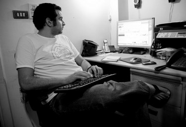Detained blogger Tarek Shalaby. Photo by Hossam El Hamalawy.