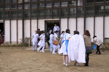 Some patients are moved to an elementary school after the earthquake, Fukushima. Image by Natsukado, CC BY-NC-ND.