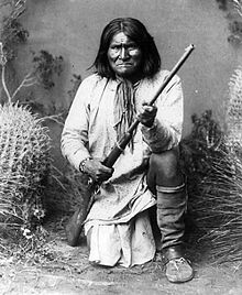 Apache leader Geronimo in 1887. Image available in public domain.