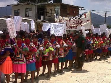 Zapatista Women in San Cristóbal de las Casas. Image by @oemilio