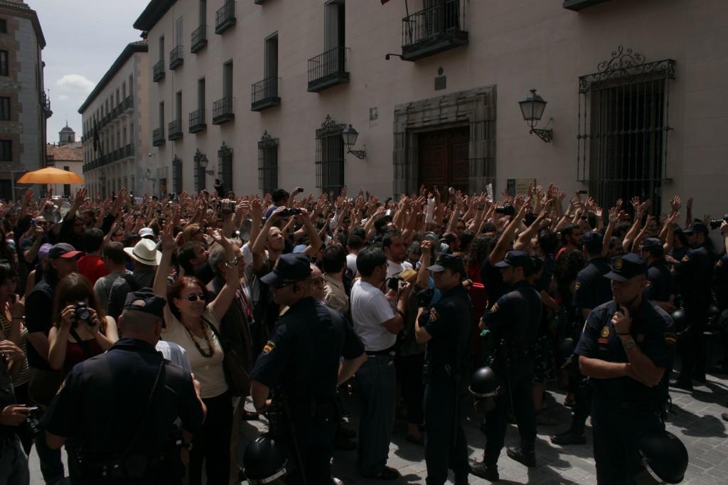 مدريد في 11 يونيو / حزيران 2011، تصوير كرستينا ماري، cristinagayar@ على تويتر، مستخدمة بتصريح منها.