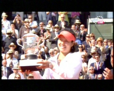 Li Na wins the 2011 Grand Slam Final. Photo by Flickr user Lucian_ge (CC BY 2.0).