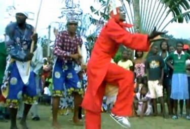 Danço Congo, a screenshot of Alxandra Dumas video taken from the blog Spirito Santo