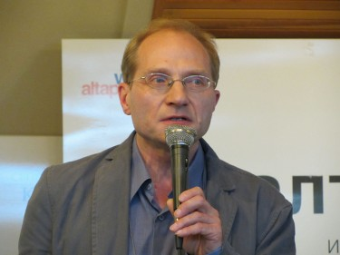 Mikhail Dmitriev, head of the Center for Strategic Research, talking in Barnaul. Photo by Gregory Asmolov.