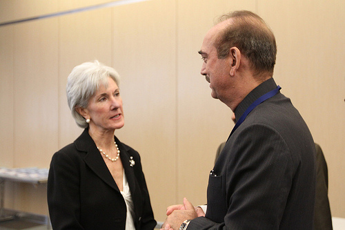 U.S. Secretary of Health and Human Services and Indian Minister of Health and Family Welfare Ghulam Nabi Azad. Image by U.S. Embassy New Delhi (CC BY-ND 2.0)
