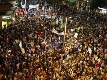 Protesta por la justicia social en Tel Aviv, Israel. Imagen de tamirsher, copyright de Demotix (06/08/11).