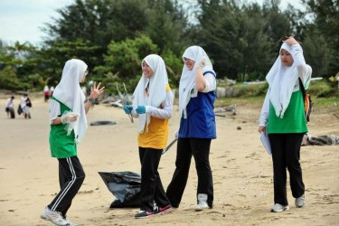 brunei coastal clean up